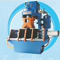 Z9406垂直分型射芯机